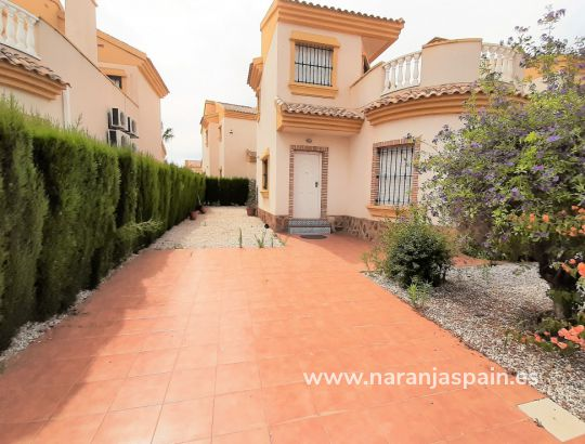 Detached villa - Sale - Guardamar del Segura - Urb. El Raso