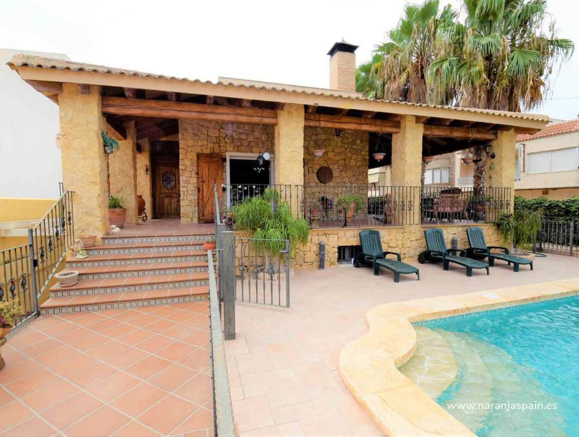Detached villa - Sale - Ciudad Quesada - Los Palacios