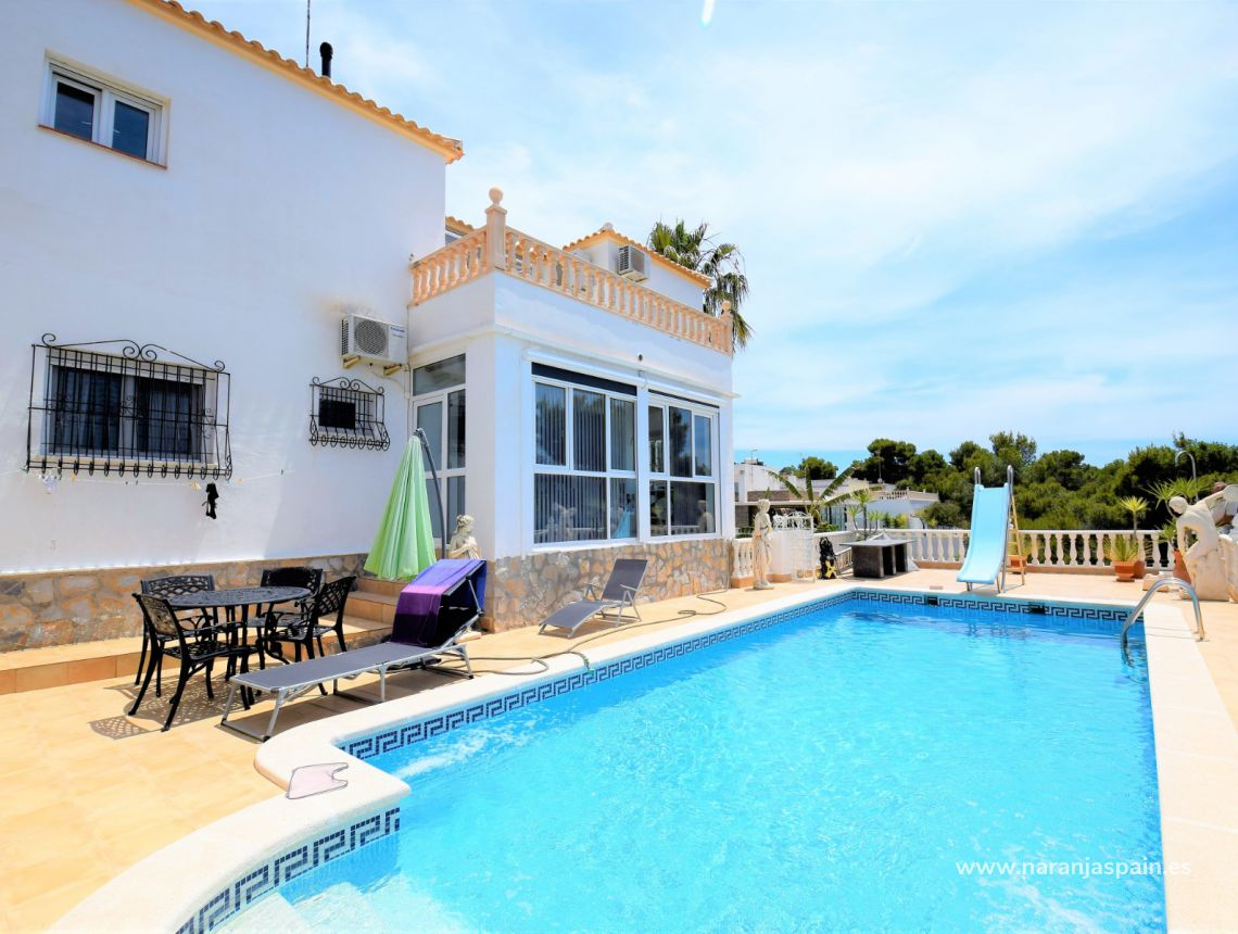 Detached villa - Sale - Torrevieja - Los Balcones