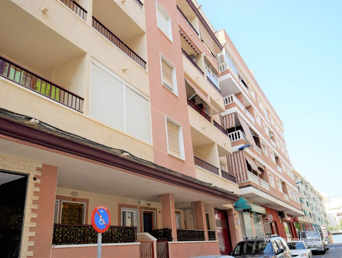Apartment - Sale - Torrevieja - Beach Los Naufragos