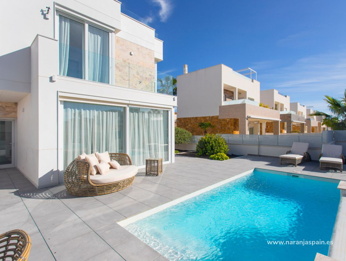 Detached villa - New build - Torrevieja - Aguas Nuevas