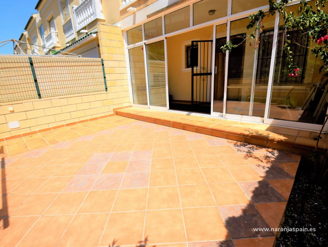 Semi-detached house - Sale - Torrevieja - Aguas Nuevas
