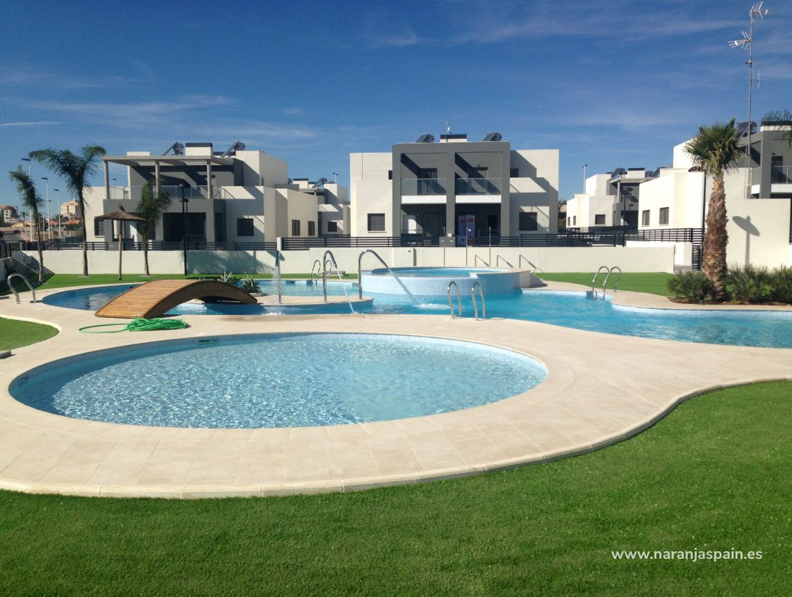 Semi-detached house - New build - Torrevieja - Torrevieja town